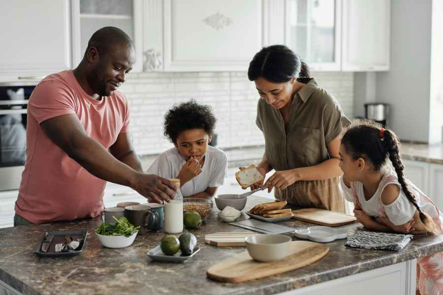 Most Parents say they'd die for their kids,but less than 30% will live a healthy lifestyle forthem.